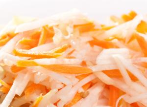 salata-ot-zele-i-morkov
