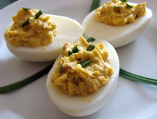 Аншоа с яйца