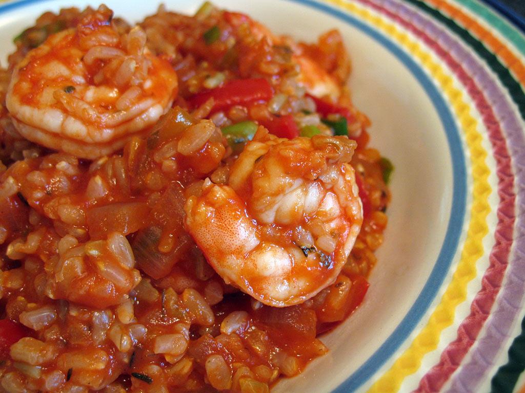 Скариди с ориз и домати