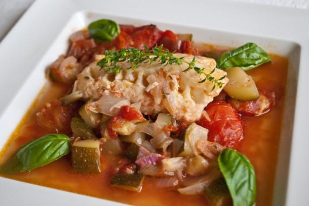 Запечена моруна с домати