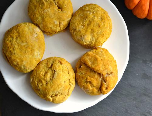 Леки бисквити