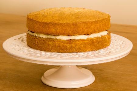 Торта с готов пандишпанов блат