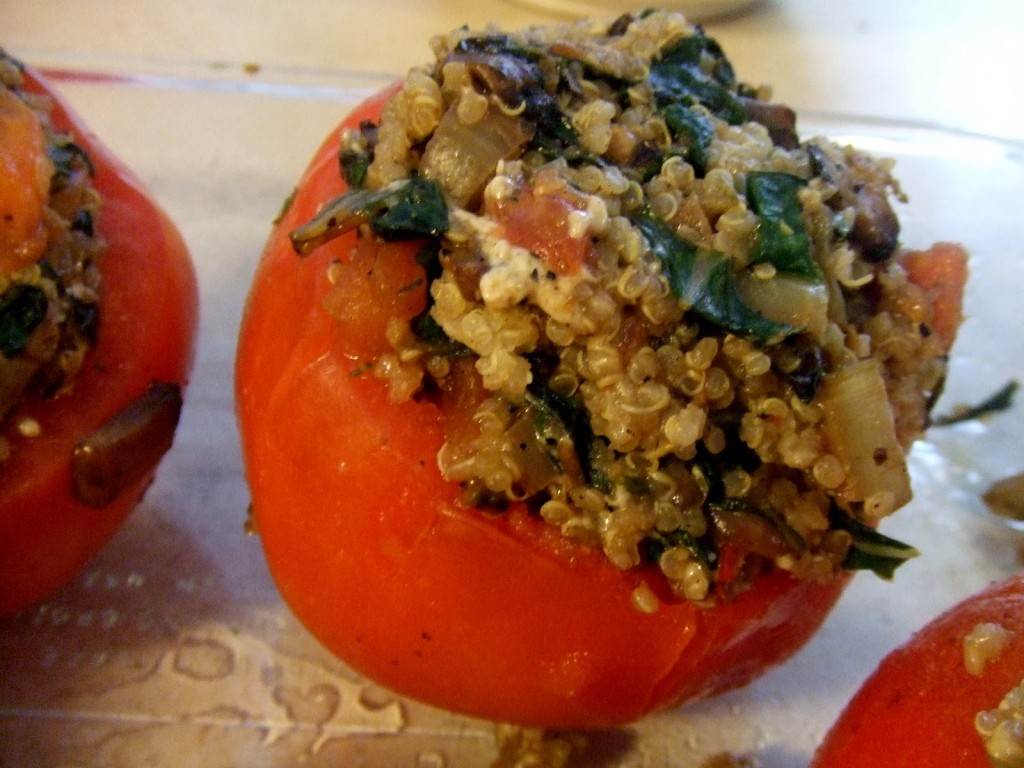 Пълнени домати с ориз и гъби на фурна