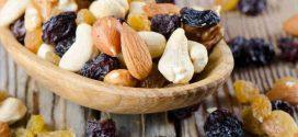 Защо спортистите трябва да включат сушени плодове и ядки в менюто си?