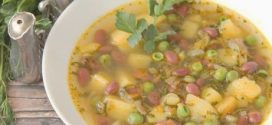 Пилешка супа с боб, спанак и зелен грах